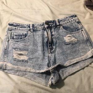 Kendall & Kylie high waisted shorts